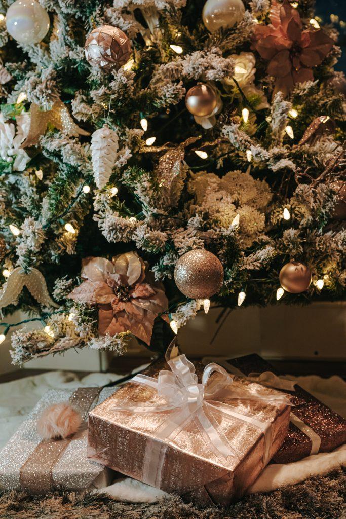 Reasons for using self-storage at Christmas